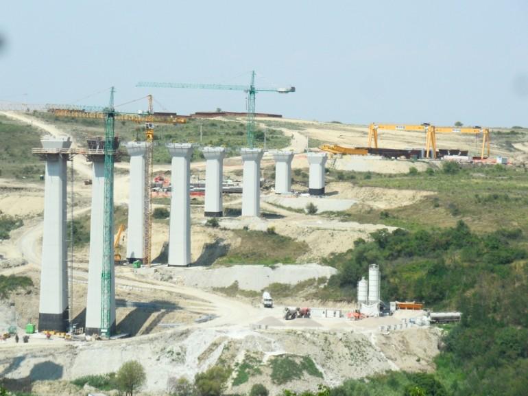 Viaduct peste vale